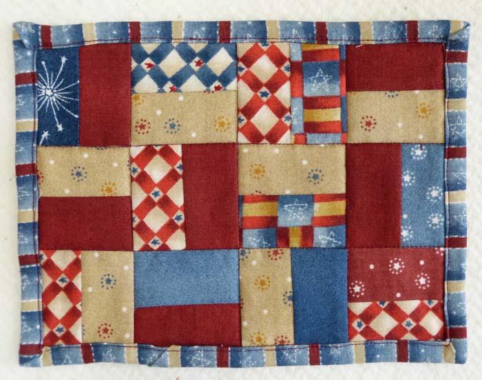 Patriotic Mug Rug Quilt Pattern Free 019e