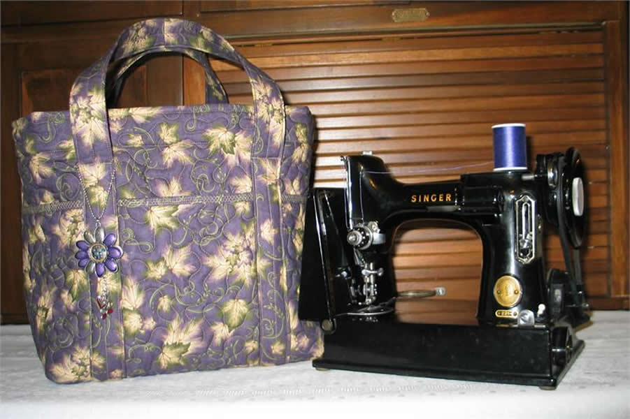 Quilted Featherweight Sewing Machine Tote Bag Pattern Sbk 005