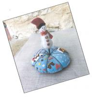 Pique Epingle Hiver (Snowman Pincushion) Pattern ADI-113
