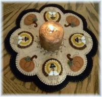 Little Pilgrims Thanksgiving Penny Rug Candle Mat Pattern PLP-129e