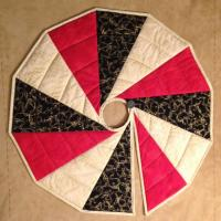 Modern Two Sided Tree Skirt Quilt Pattern SEW-104